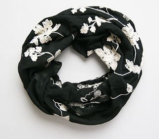 Wholesale Customized Winter Spring Autumn Warm Jacquard Polyester Woven Scarf Neckwarmer